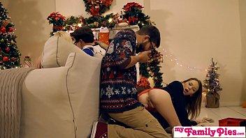 Video prono fodendo prima em festa de familia