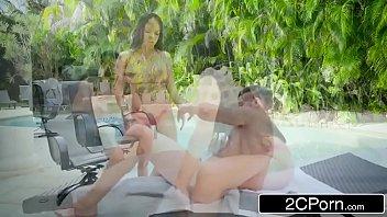 Xvidoes porno comendo vizinha morena de luxo