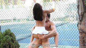 Filme pornô grátis com novinha jogadora