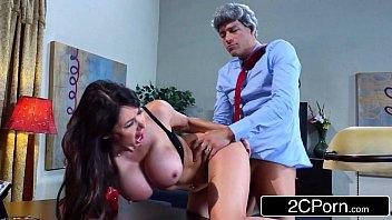 Porno boquete gostoso de secretaria peituda