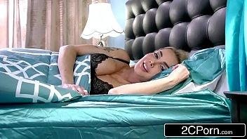 Videos de pornografia com duas loirinhas transando muito
