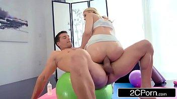 Vídeos de sexo com novinha quicando gostoso