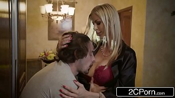 Mr videos de sexo gostoso com loira safada