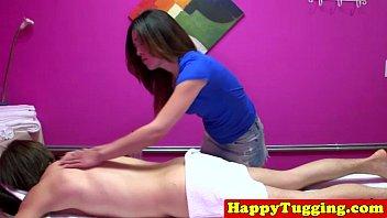 Filmes porno Hd ninfeta sexo oral na massagem